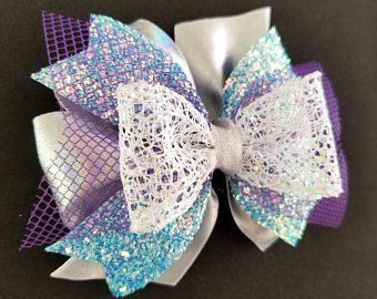 Items similar to Set of 2 Hair Bows - White and Black - Girls hair bow - Boutiqu...