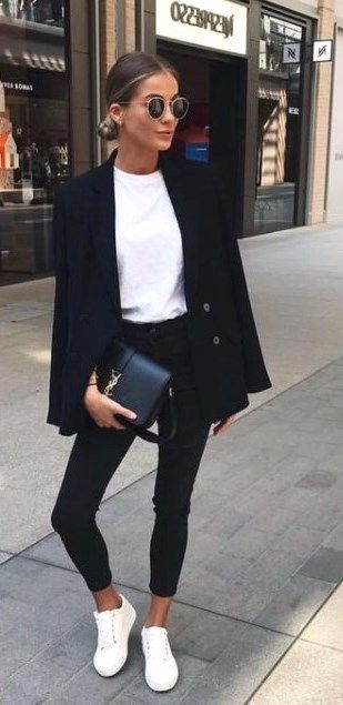 20 Casual Black and White Outfits #blackandwhite #casualoutfits #dailyfeedpins.c...