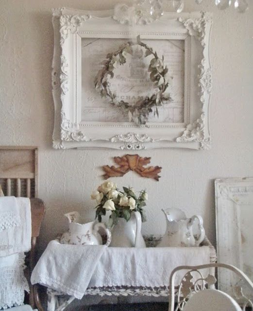 Wreaths in the dining room - #im # wreaths #shabbychic #dining room