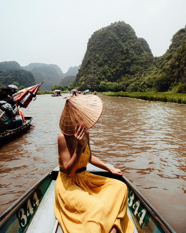 Tam Coc rice fields boat ride in Ninh Binh Vietnam | Thinking about traveling to...