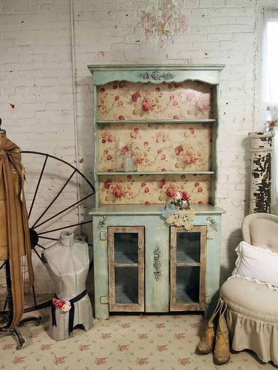 Shabby Chic furniture used rustic look