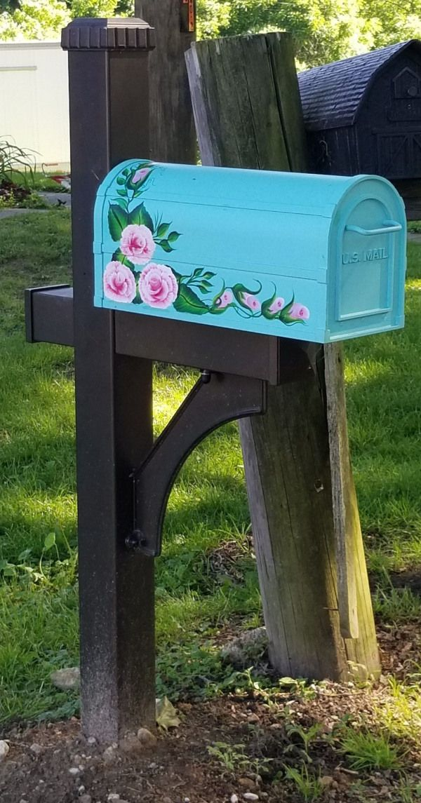 Hand-painted mailboxes using One Stroke technique by Donna Kiszonak at Pequest V...