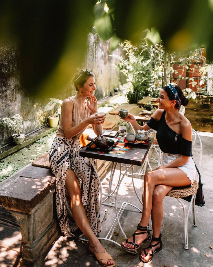 Reaching out teahouse in Hoi An ancient town Vietnam | This Vietnam travel guide...