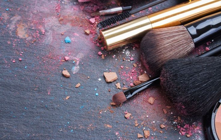 5 Foul Things That Happen When You Don't Clean Your Makeup Tools