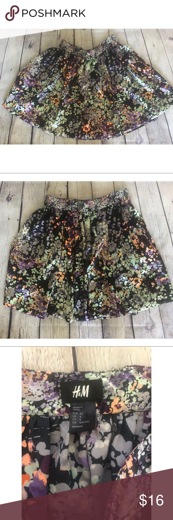 H&M floral mini skater skirt size 2 Floral mini skirt. Floral.   With pockets.  ...