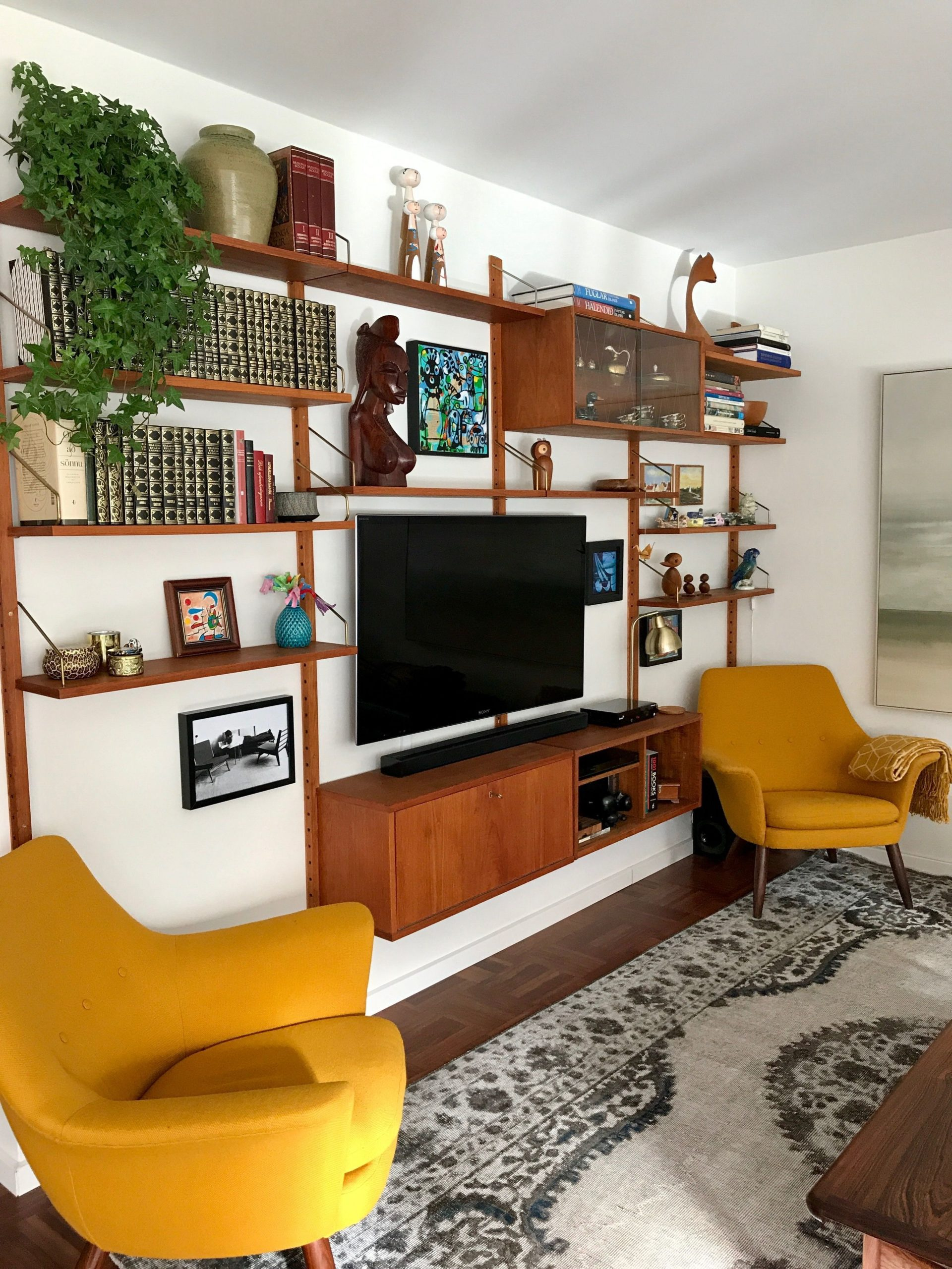 Color in the living room -  Color in the living room  - #color #easyhomedecor #h...