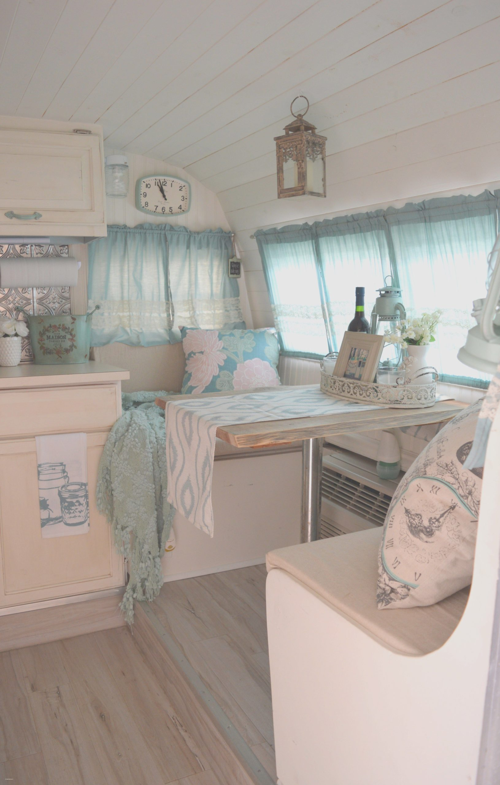 30 Marvelous Picture of Vintage Travel Trailers Remodel Ideas