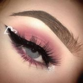 Nails Valentines Day Eye Makeup 23+ Ideas For 2019 Nails Valentines Day Eye Mak ...